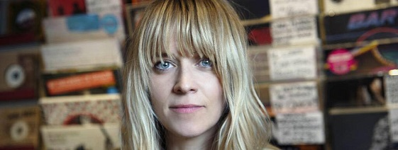 Booking agent for edith bowman