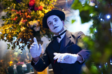 Hire / Book electric mime mime artist