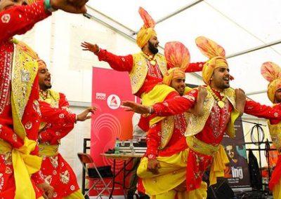 indian-punjabi-dance-troupe2