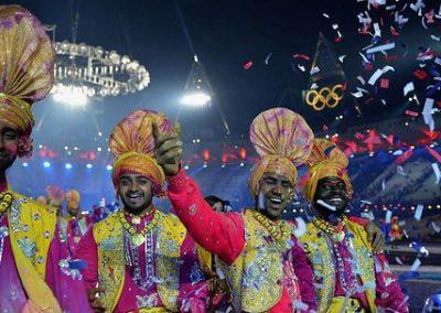 indian-punjabi-dance-troupe3