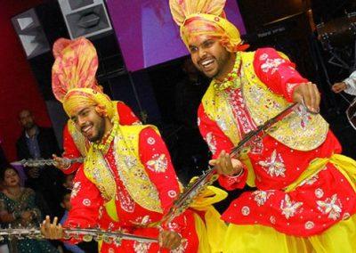 indian-punjabi-dance-troupe4