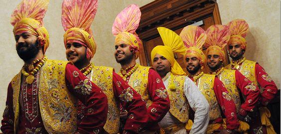 indian-punjabi-dance-troupe8