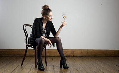 Katherine Mills – Female Magician | UK