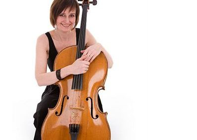 Laura – Acoustic Cellist | UK