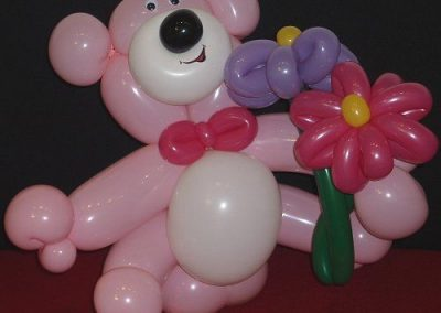 Olivia Twist – Balloon Modeller