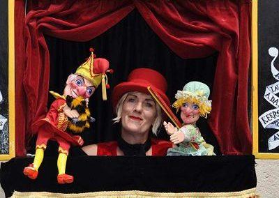 Professor Queen-Bee – Punch and Judy show   UK