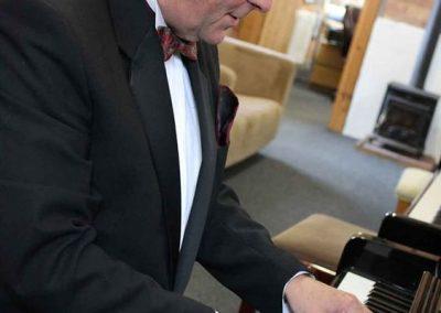 Roger – Pianist   UK