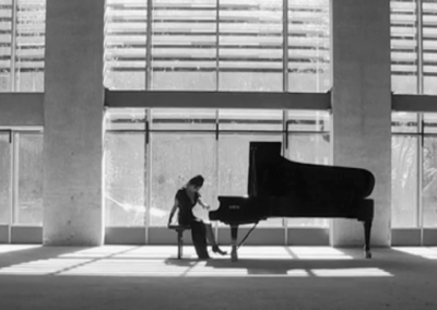 Rosey – Pianist | UK