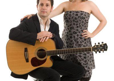 Tom & Julie – Acoustic Guitar & Vocal Duo | UK
