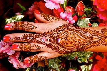 hire henna artists
