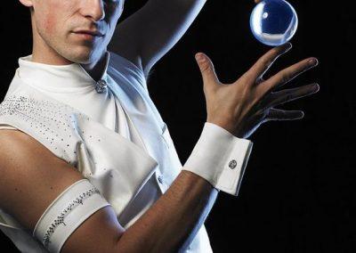 Dapper-juggler-1