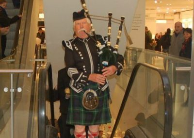 Bagpipers: Willie's Bagpipers – UK
