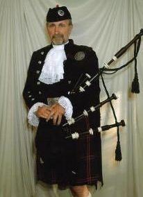 Scottish & Irish Bagpiper: Dave – UK