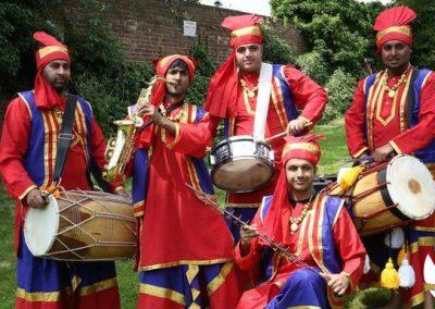 Indian: Dynamite Dholis – Dhol Musicians | UK