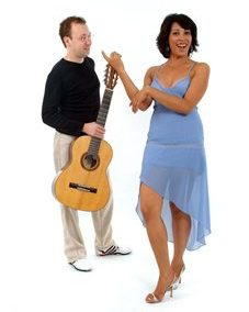 Brazilian: Jonathan & Leandra – Guitar & Vocals | UK