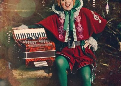 Muzakel Elf – Accordion Player Character | UK