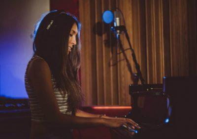 Cat D – Singer & Pianist | UK