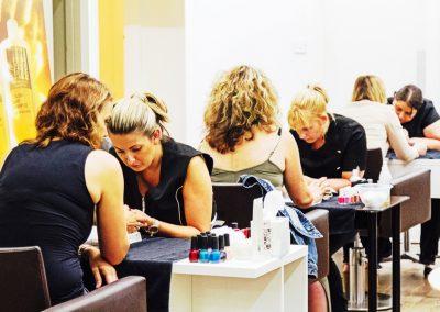 Glo – Nail Art and Aromatherapy Workshop | UK