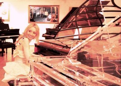 alice-t-pianist1