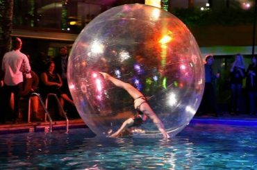 Booking agent for gravity- bubble contortionist