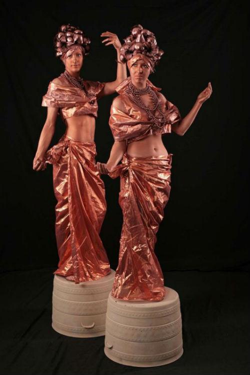 booking agent for carmen miranda living statues