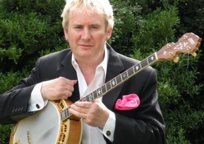 David – Jazz Banjo Player & Vocalist   UK