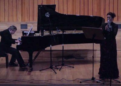 Janusz – Pianist   International