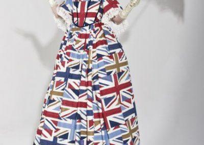 lady-britannia-stiltwalker3