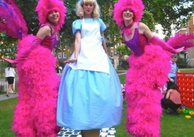 lucis-flamingos-stiltwalkers4
