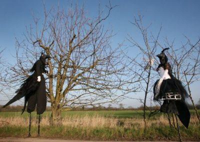 Magpie Characters – Stilt Walkers | UK