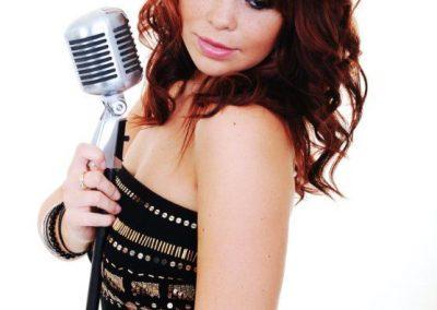 marianne-singer1