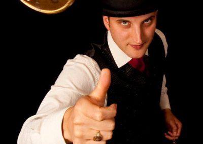 robin-magician8