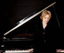 sarah-pianist4