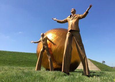 The Elementals- Gold Stilt Walkers   UK