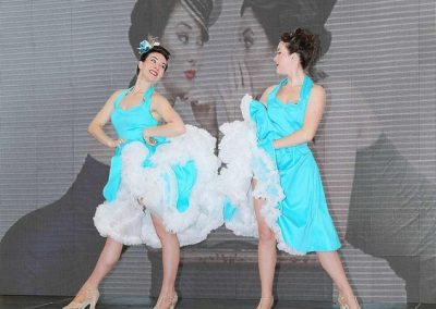 twin-swing-dancers2