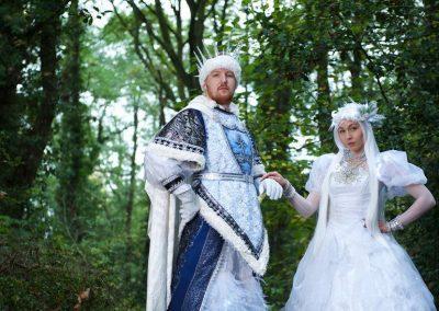 Snow King & Queen – Winter Stilt Walkers   UK