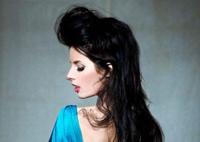 Laura V – Singer & Songwriter | UK