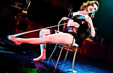 hire burlesque preformer sophia