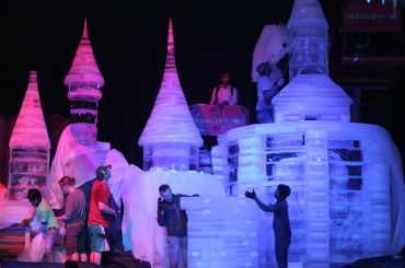 Hire / Book techne ice ice sculptures