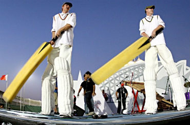 hire stilt walking cricketers