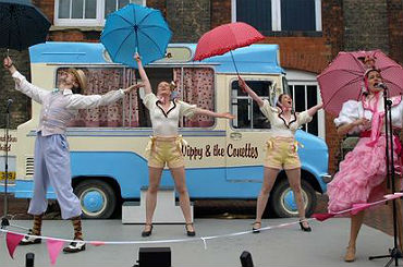 Outdoor Cabaret Show & Dance Workshops - Mr Wippy